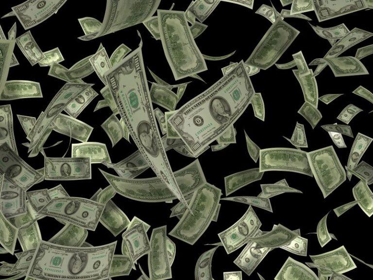 Vi siete mai chiesti quanto sia lo stipendio del Papa (e di preti e suore?) Ecco la risposta